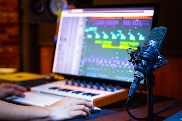 The 5 Best Podcast Editing Software, According to HubSpot's Senior Podcast Producer