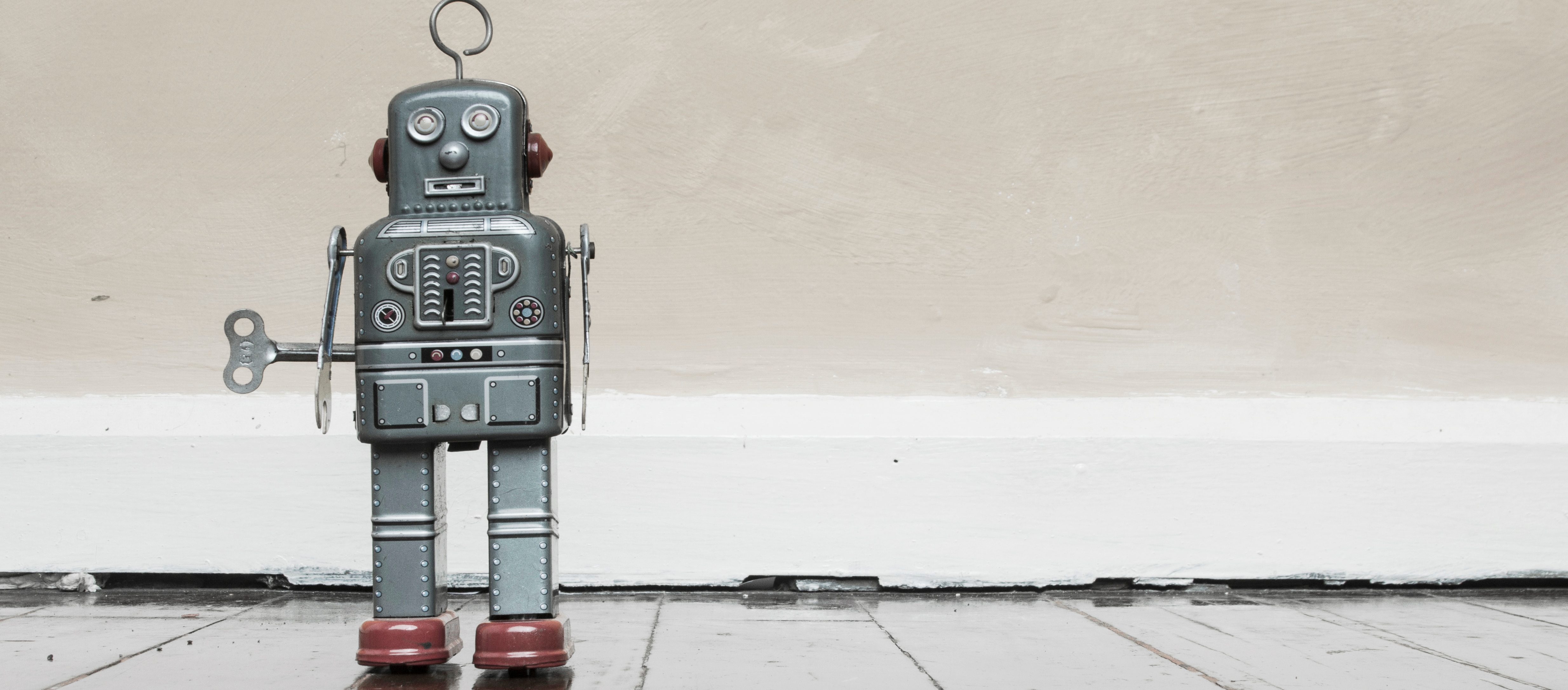 3 Stale Phrases That Make Salespeople Sound Robotic
