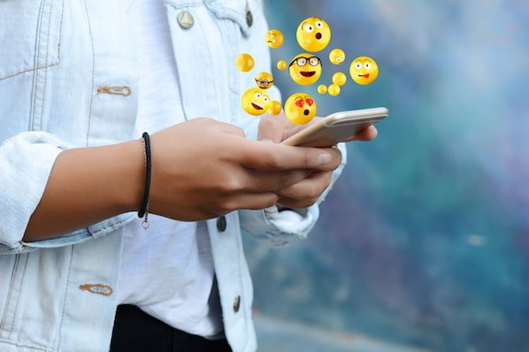 What Do Snapchat Emojis Mean? 👻 😎