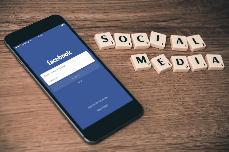 How HubSpot Does Social Monitoring