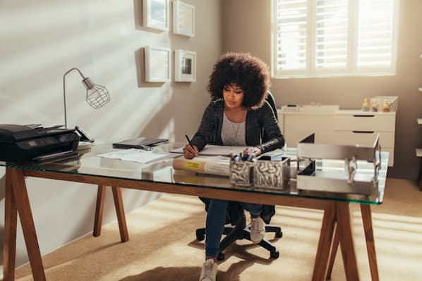 Five Tips for Becoming a Successful Remote Worker, According to 450 Remote Professionals [New Data]