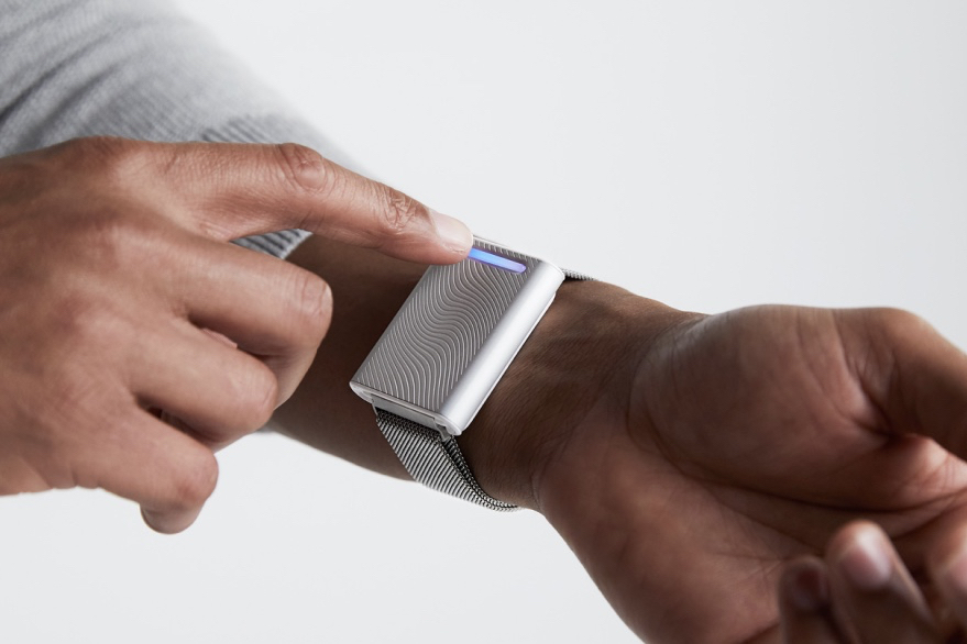 From the CES Files: Is This Temperature-Regulating Bracelet the Answer to Your Cold Office?