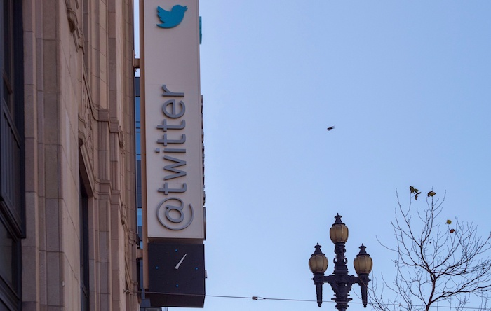 Unriddled: Twitter Takes Washington, Facebook's Follow-Up Changes, and More Tech News You Need