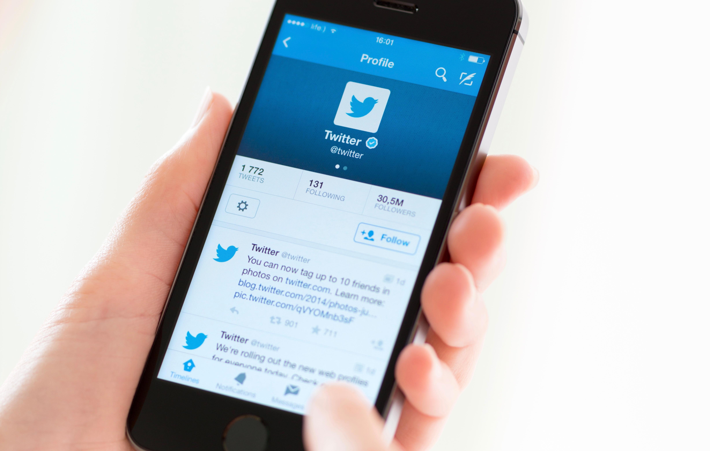 two-thirds-americans-still-get-news-on-social-media