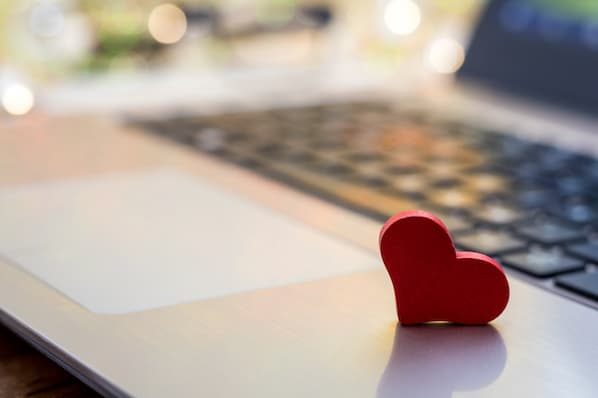 8 Valentine's Day Email Templates Prospects Love